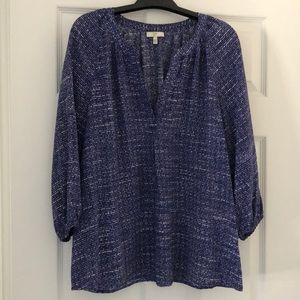 Joie 100% Silk Blue & White patterned blouse Sz L